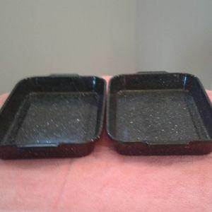 2 Vintage roasting pans